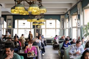 Kubus-Cafe Grand Cafe Orient, Prag, Tschechien