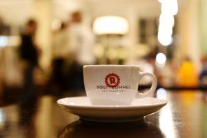 Espresso der Nürnberger Rösttrommel beim Japaner Akimoto