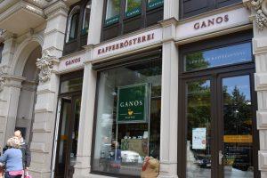 Kaffeerösterei Ganos mit historischer Fassade