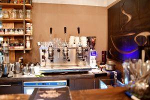 Hier wird im Cafe Espressee Espresso zelebriert